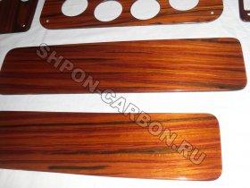 Отделка деталей катамарана, натуральным деревом, шпоном